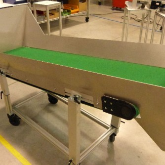 flat-belt-conveyor-high-lateral-guides_elcom-konveyor-bant